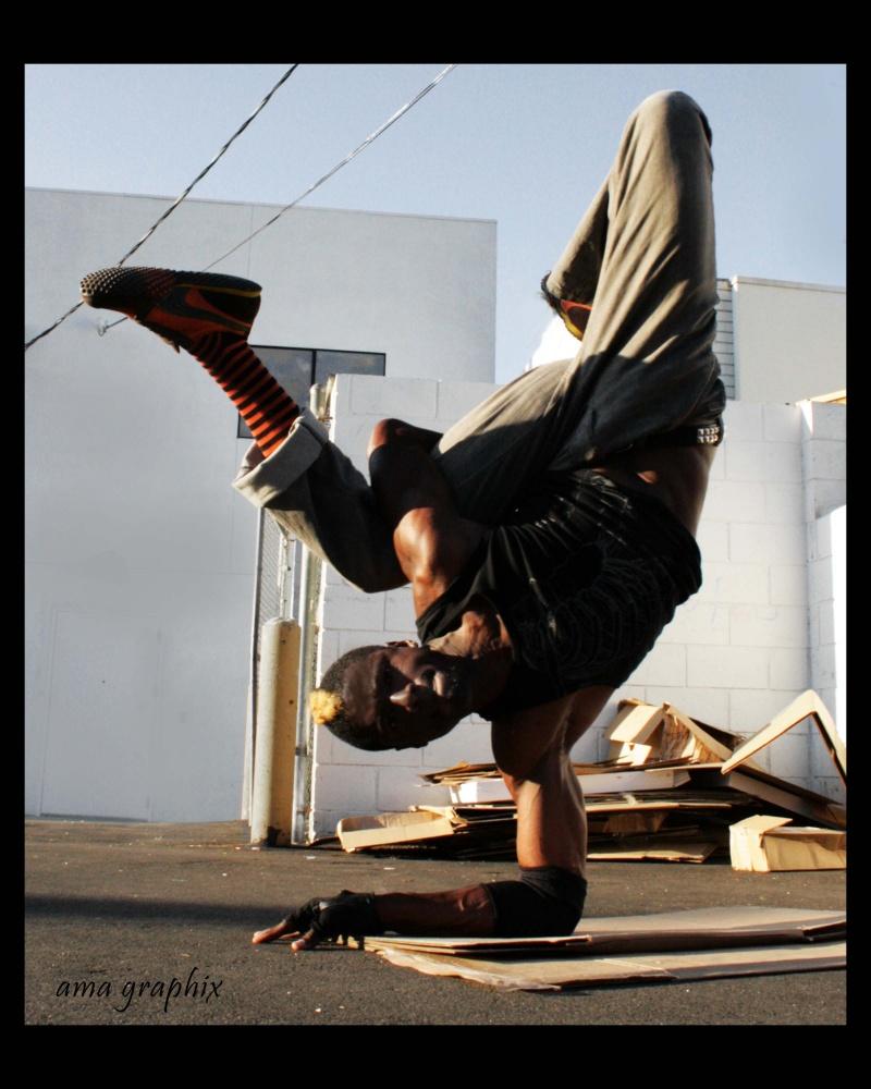 Los Angeles Dec 27, 2007 ama graphix Elbow freeze!