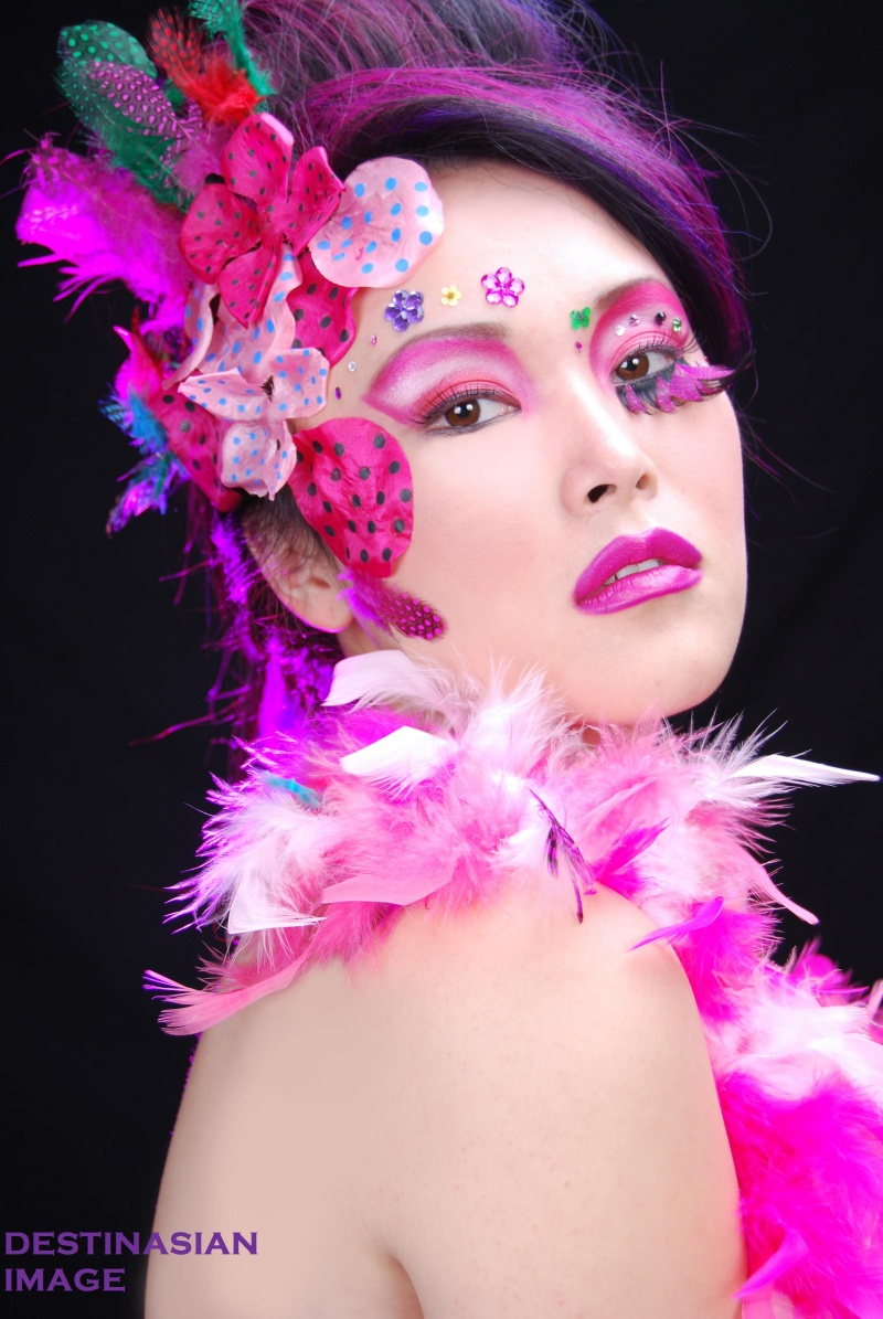 <BR>MAKEUP DONE BY ME Jan 02, 2008 DESTINASIAN IMAGE <BR>HAIR & PHOTOSHOOT DONE BY GUY TANG