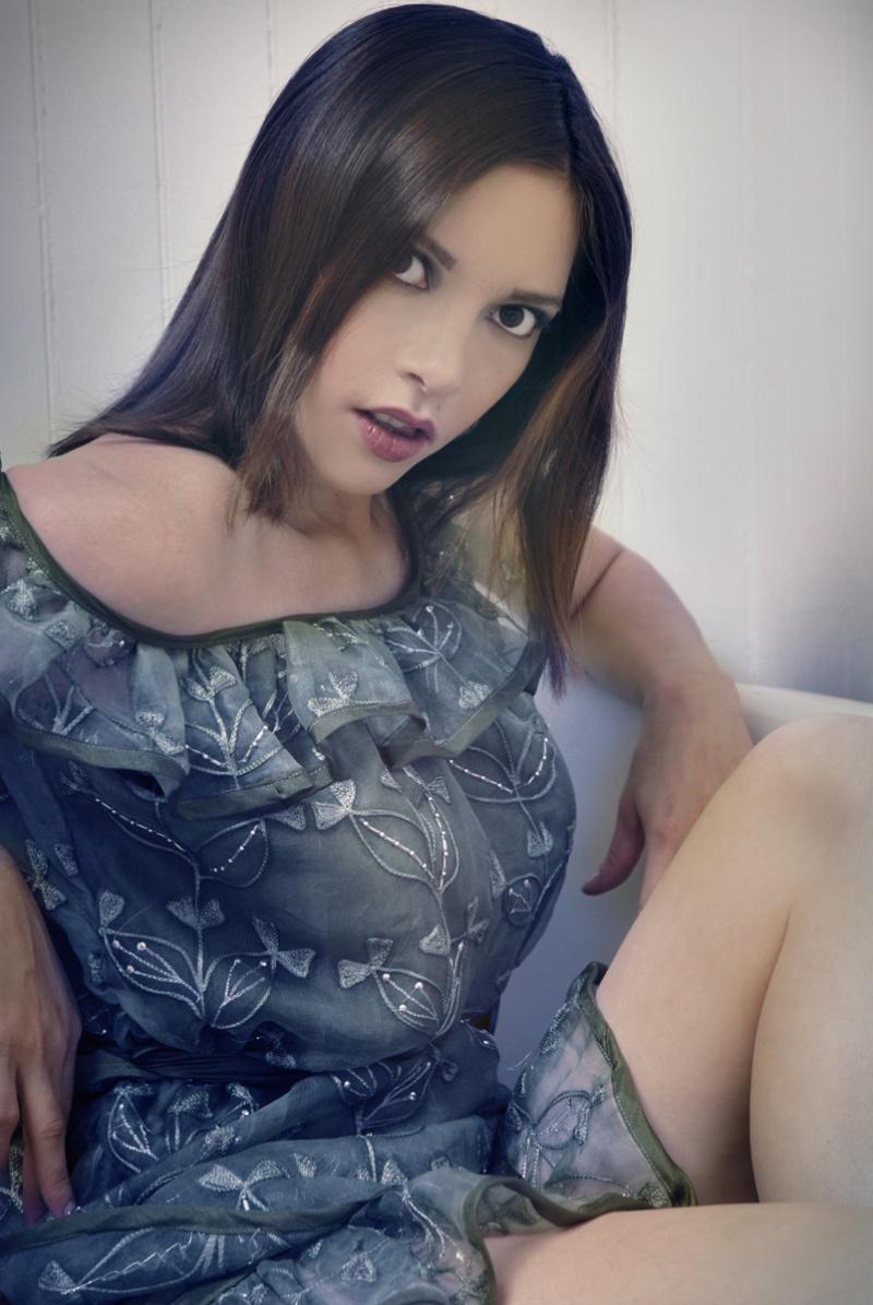 Baltimore, MD Jan 06, 2008 Ex Voto Studio Do U Couture - Olive Flounce Dress