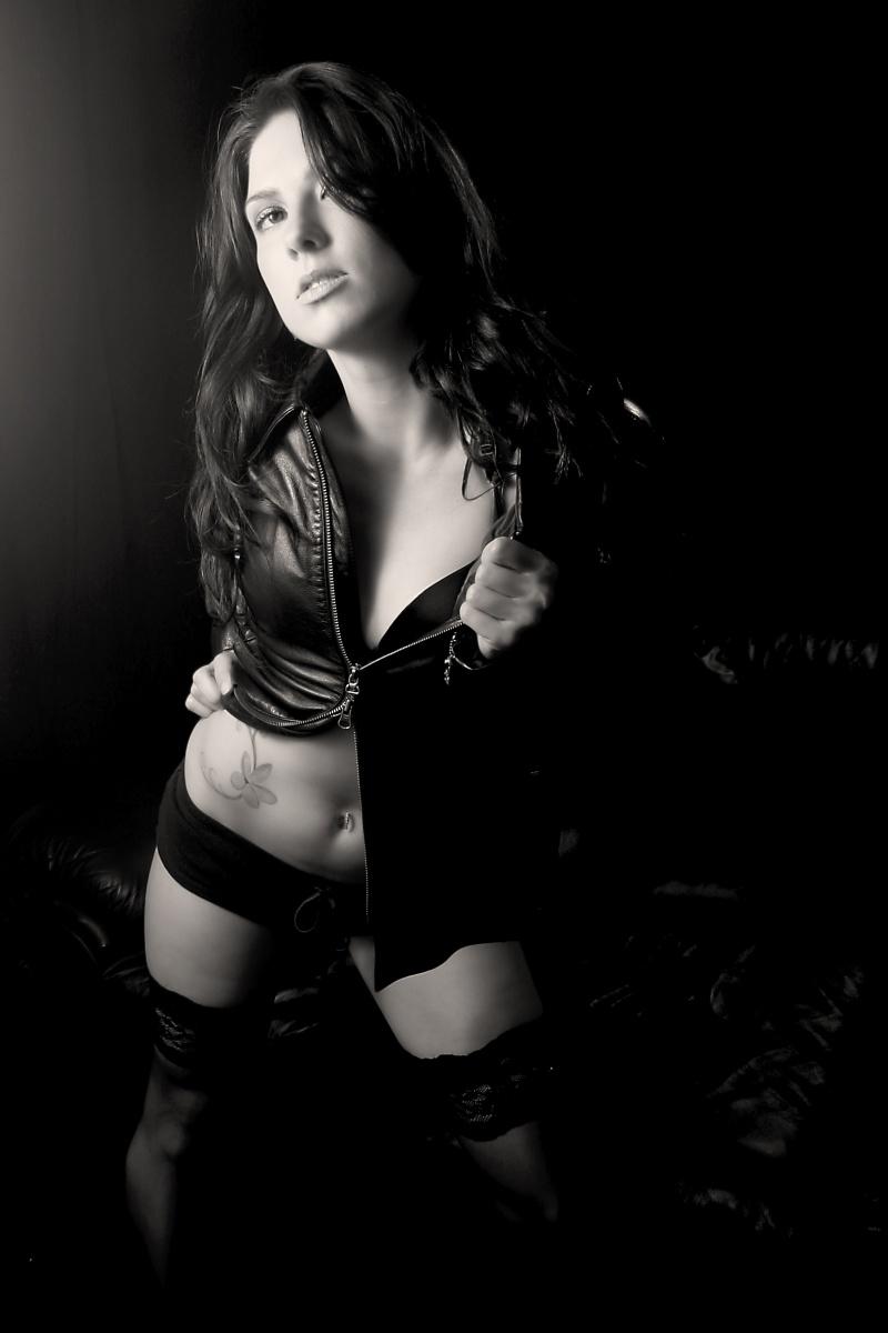 Female model photo shoot of dee27 by Revprint
