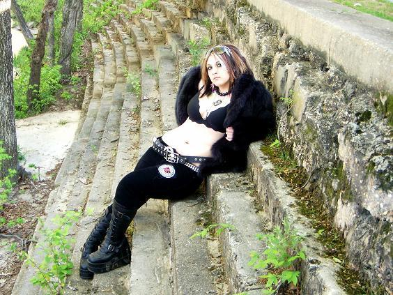 Female model photo shoot of Khrist
