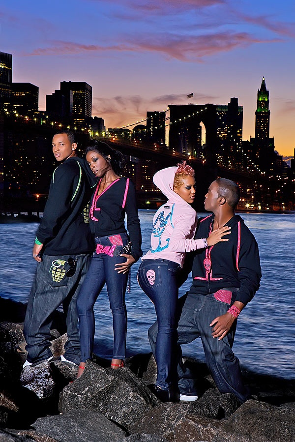 Brooklyn Feb 02, 2008 Jens Look For Lexx Perry Clothing