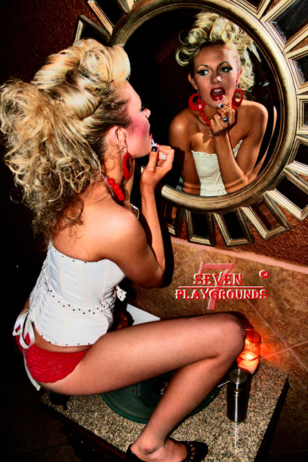 Kinky Lounge in Dallas Feb 05, 2008 Seven Playgrounds 2007 Lipstick
