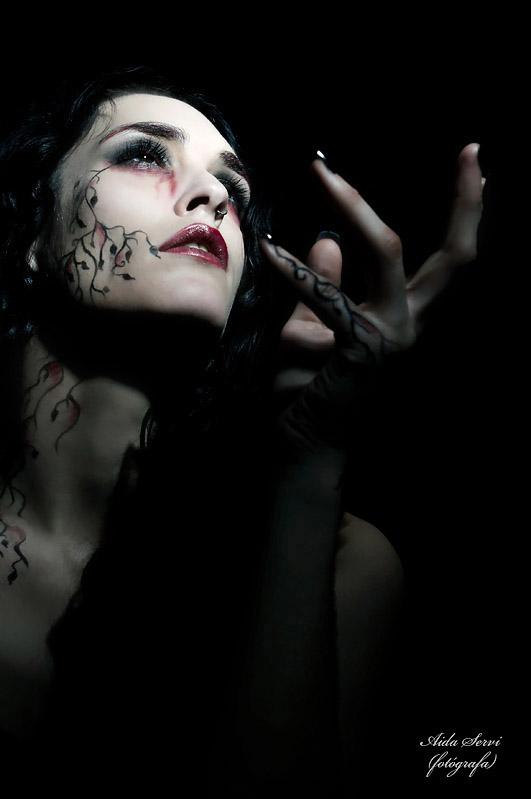 Feb 09, 2008 Photographer: Aida Servi Make-up: Vanessa Barrao