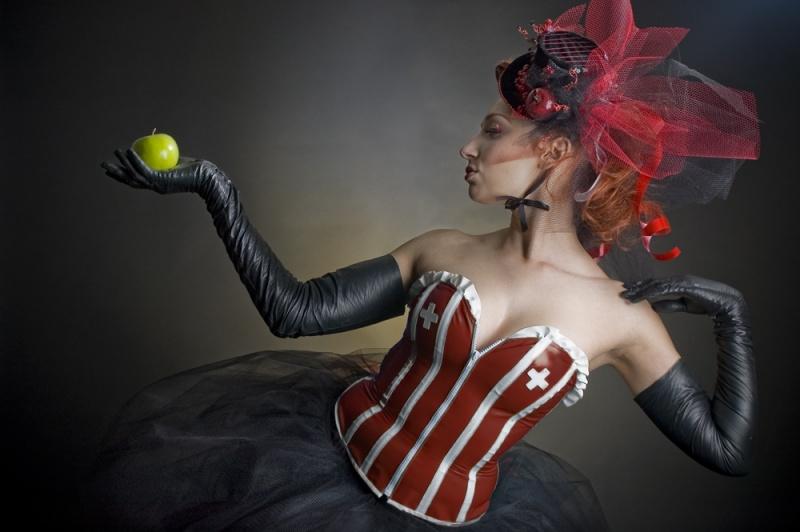 Lancaster, TX Feb 12, 2008 Desirae Embree Grimm Evil Queen - Hair/Hat design by Vintage Flair