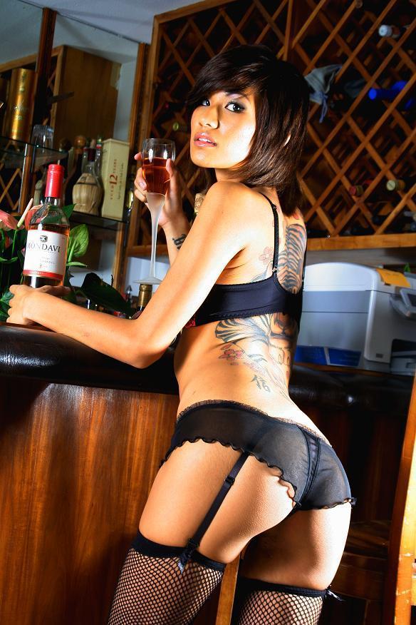Honolulu Feb 13, 2008 Guy Nakanishi Photography Glass of Wine