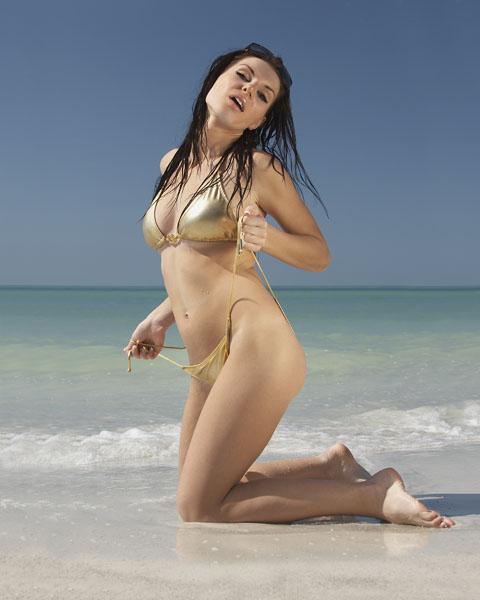 Female model photo shoot of Geri Gergenenova