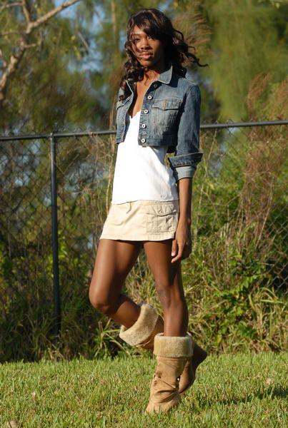 Female model photo shoot of Tru Currie