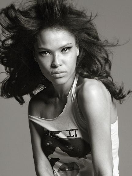 NY Mar 01, 2008 Itaysha - photographer Photographer: Itayshia Jordan ,and Hairstylist : Dante Blandshaw