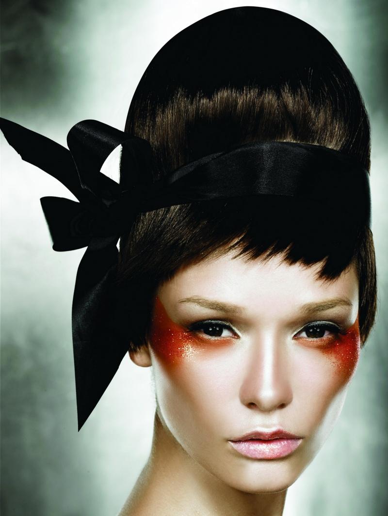 Bangkok Mar 03, 2008 Make Up Store Cone Head