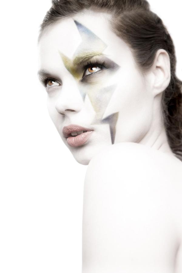 Female model photo shoot of Daisy Van Winkel
