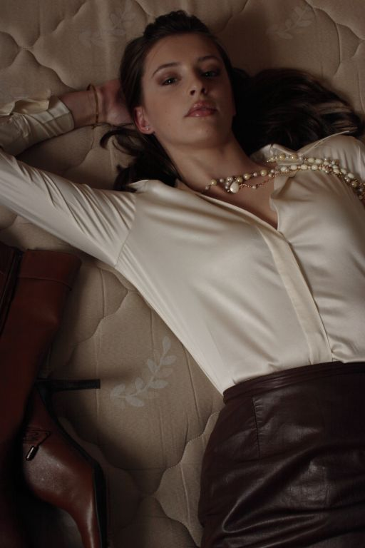 Female model photo shoot of Keri L MissAnthrope