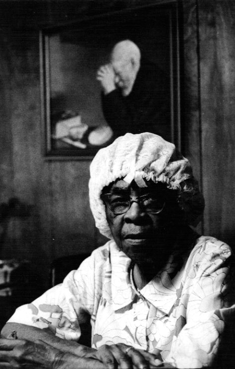 Texarkana, Texas Apr 13, 2008 Harmon Outlaw Moma Lula Powell in Texarkana, Texas 1971