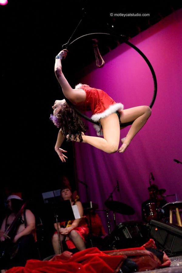 The Wealthy Theatre Apr 14, 2008 Tim Motley Miss Pussykatt Aerial Hoop