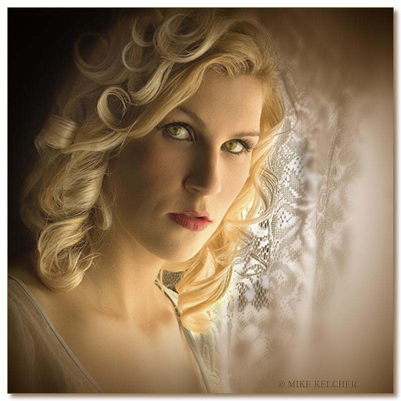 http://photos.modelmayhem.com/photos/080416/05/4805c338f0eb1.jpg