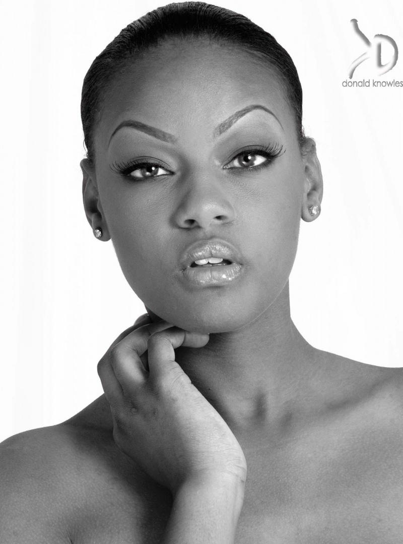 Female model photo shoot of Splexytesha by Donald Knowles in Pro Photo Studios, Nassau Bahamas, makeup by italia williams