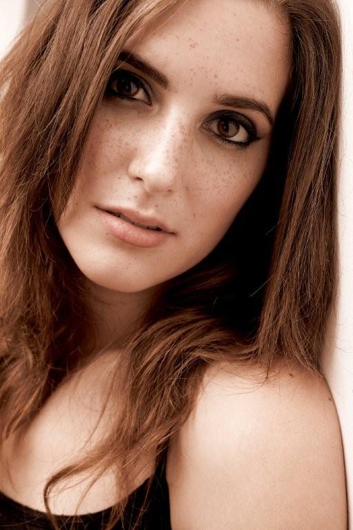 Female model photo shoot of Jelisa Loren by Scott Lennon in Toronto,On
