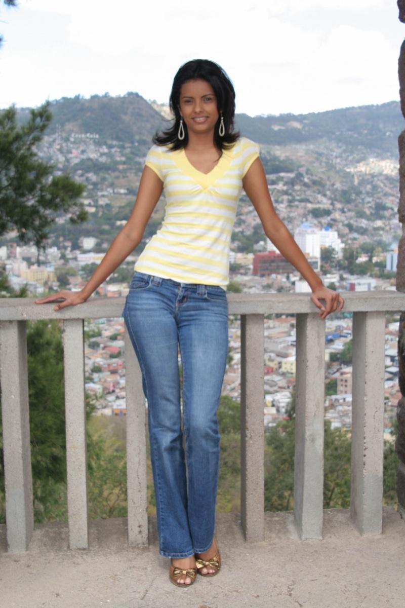 Female model photo shoot of Belgica Suarez Hon in TEGUCIGALPA, HONDURAS