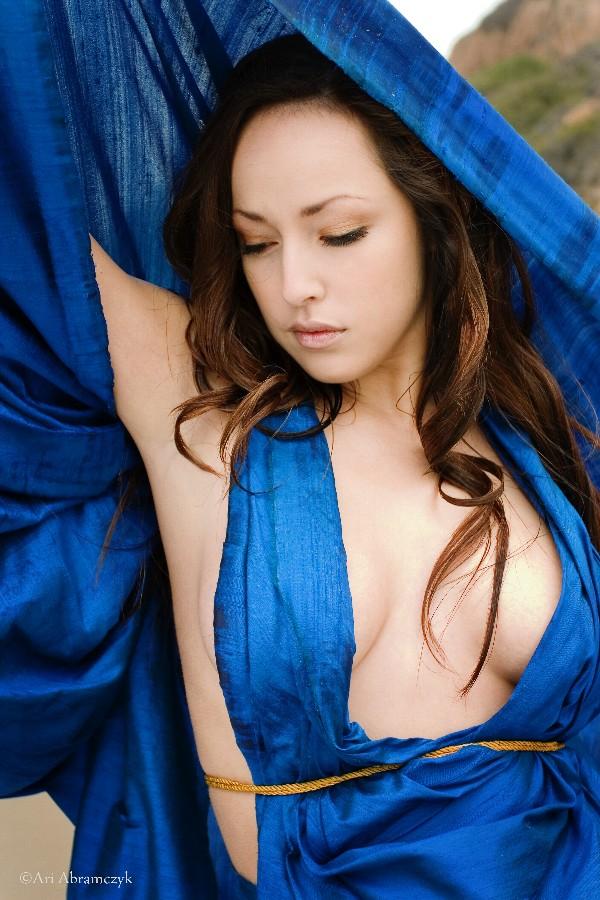 Female model photo shoot of Stephanie Crowley