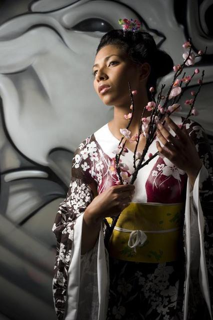 Los Angeles,CA. May 13, 2008 Bholanath Foto studio Bodypainted Kimono