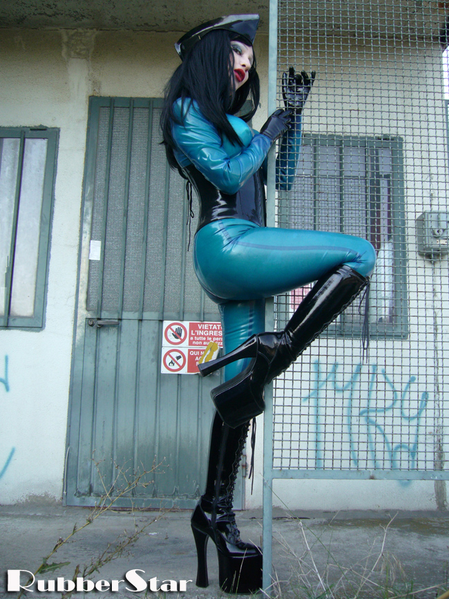 italy May 16, 2008 photo by SISSIDOLL RUBBERSTAR