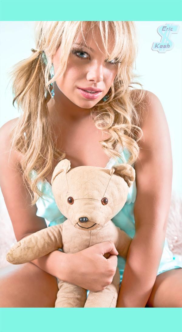 Female model photo shoot of Kourtney Elizabeth