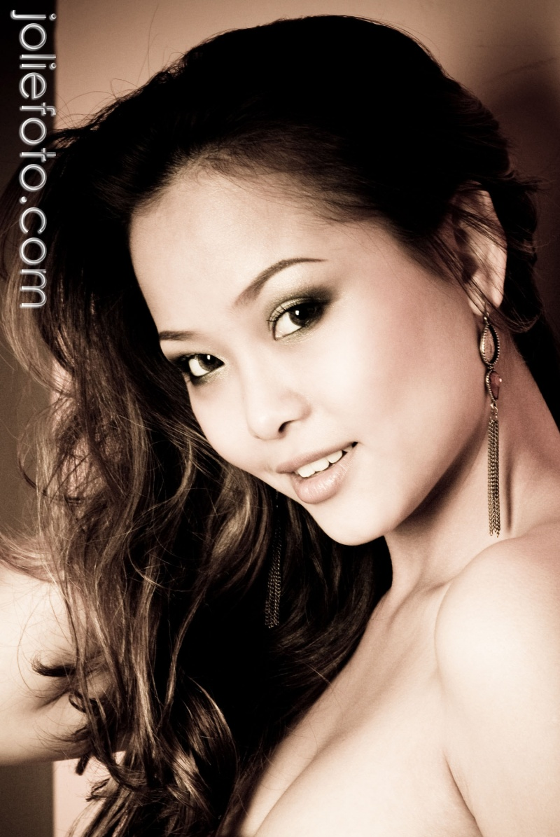 Male model photo shoot of Jolie Foto Studio