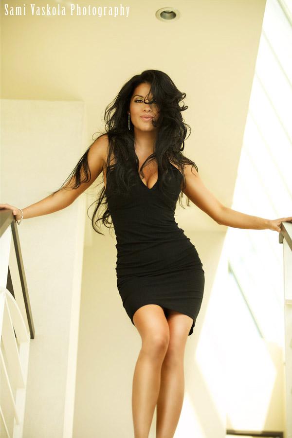 Female model photo shoot of Rosalba Va