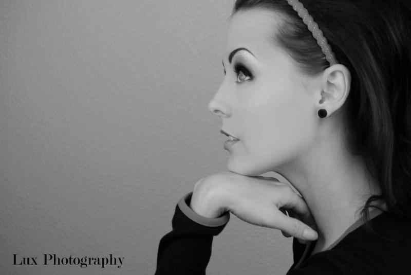 Female model photo shoot of Dayna DeLux