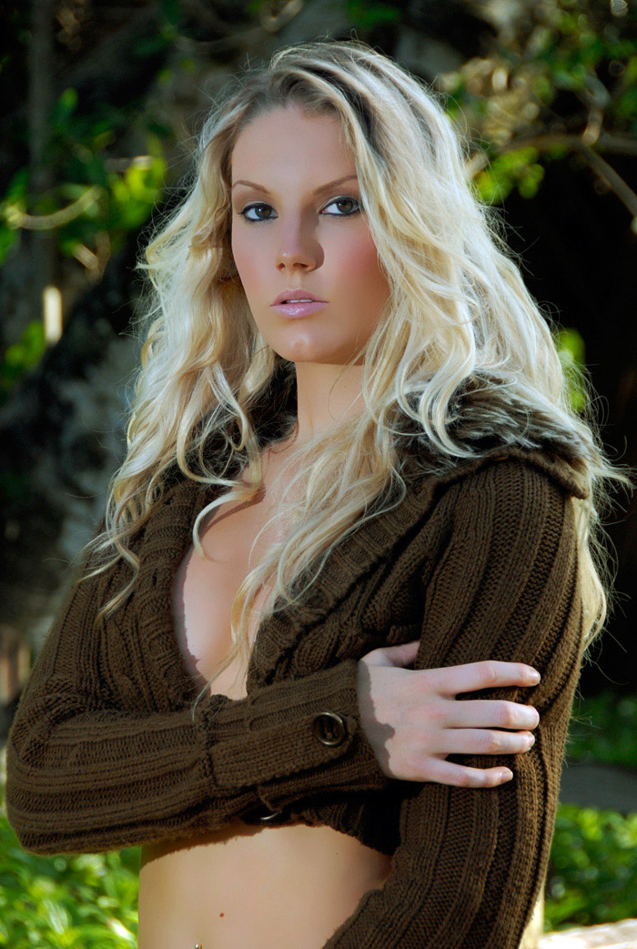Female model photo shoot of makeup chic and Theresa Pike by E C Photography in sunrise florida