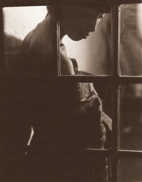 NYC Jun 10, 2008 B.Dub Girl in the window.