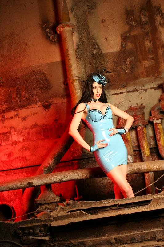 Jun 15, 2008 model Emily Marilyn