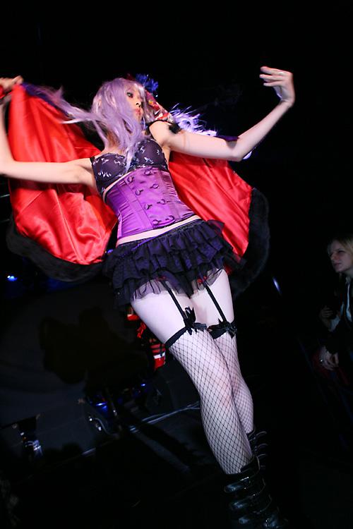 Astro Hall (Harajuku, Tokyo) Jun 18, 2008 Photographer Nao (http://qhoto.jp/) Visu-Annite show (Penguin-Cape from Takuya Angel, Corset by Succubus)