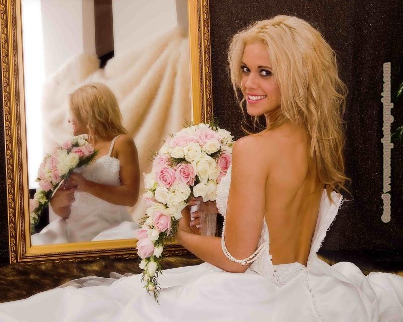 Female model photo shoot of Magenta Bentley in tali