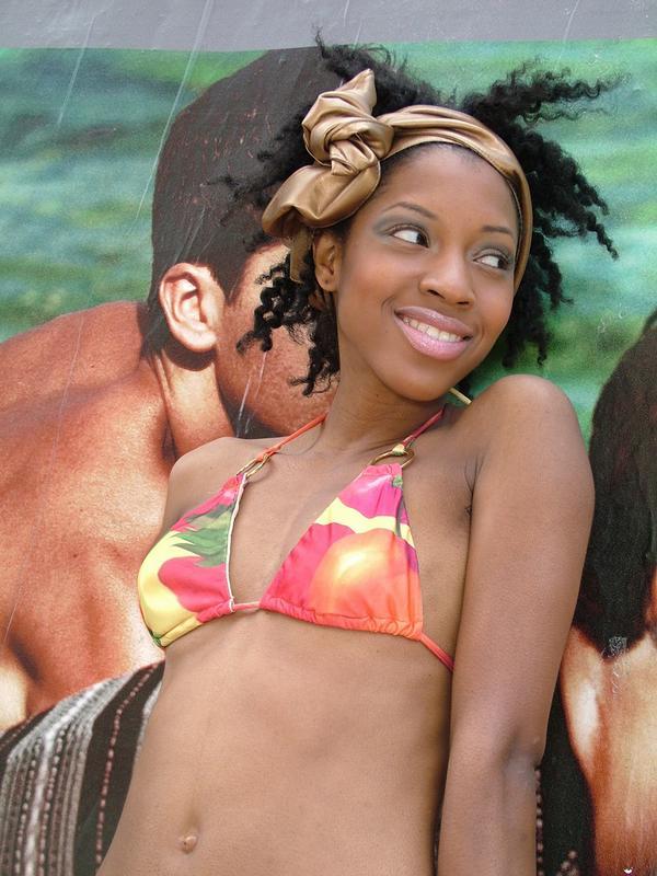http://photos.modelmayhem.com/photos/080624/12/486121a4bc458.jpg