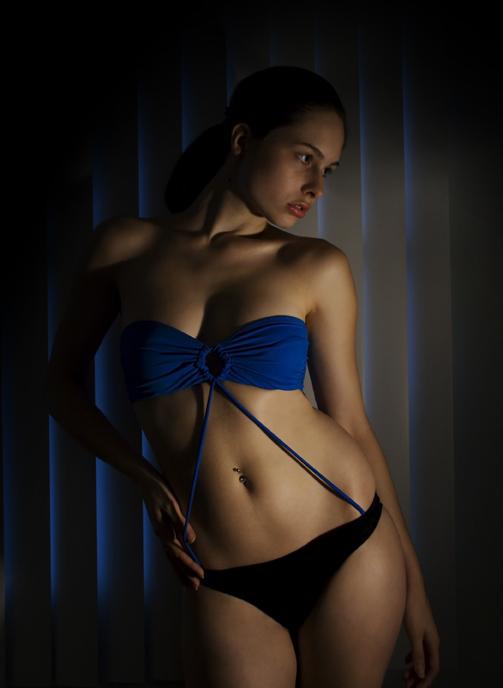 http://photos.modelmayhem.com/photos/080625/17/4862b42402f61.jpg