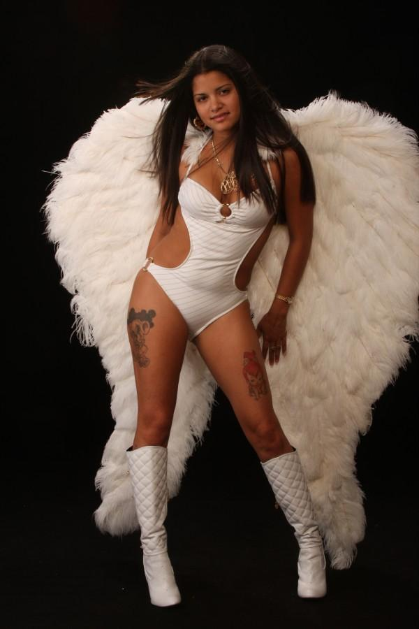 LARGO Jun 26, 2008 IM AN ANGEL!! H0W AB0UT THAT??