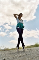 https://photos.modelmayhem.com/photos/080703/14/486d1a50651d0_m.jpg