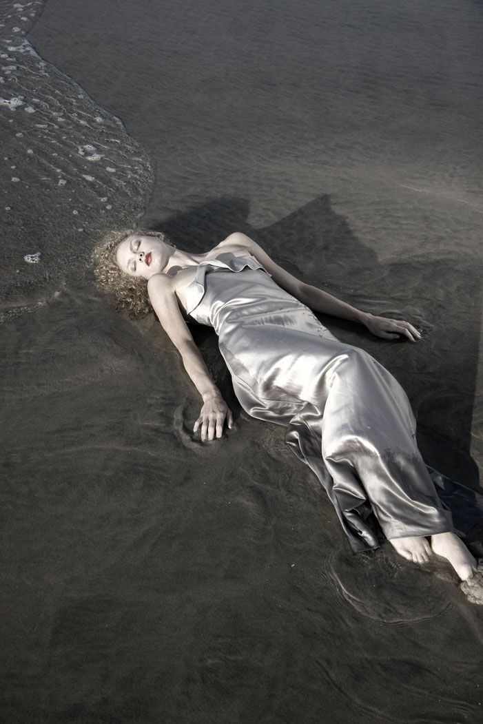Female model photo shoot of findorion photo