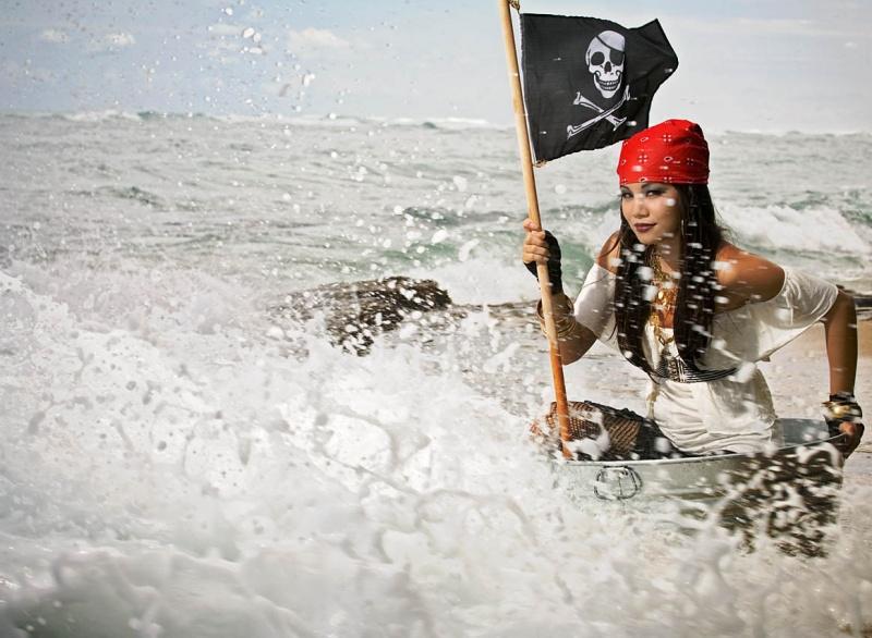 kahala beach Jul 06, 2008 maxx shots glam pirate