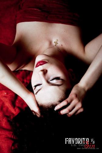 Female model photo shoot of Natasha Lazarovic by ruzz in