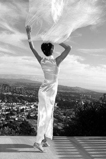 San Francisco at Hawk Hill Jul 14, 2008 Mar Photography : my sis Diana on her Wedding Day on our back patio. Moi Moi and her Wedding Dress