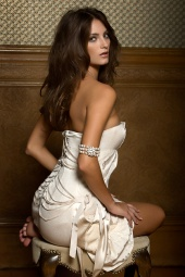 http://photos.modelmayhem.com/photos/080715/03/487c4f4812c87_m.jpg