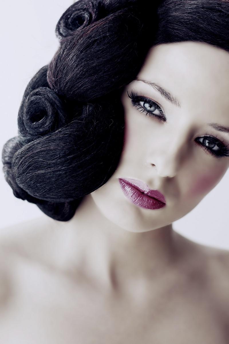 Netherlands Jul 19, 2008 Sennur Hokelekli Kylie Brons, make up and hair by Sano Wahyudi