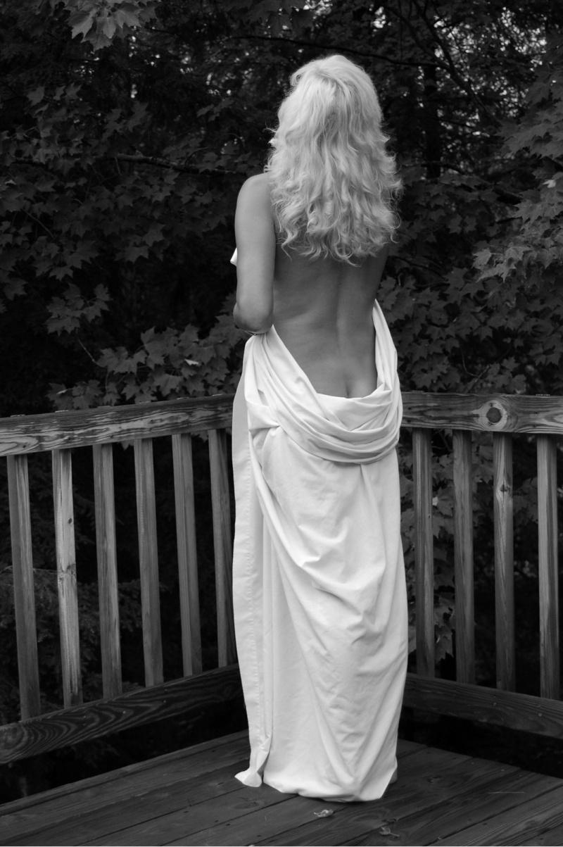 Jul 20, 2008 Goddess in Black and White