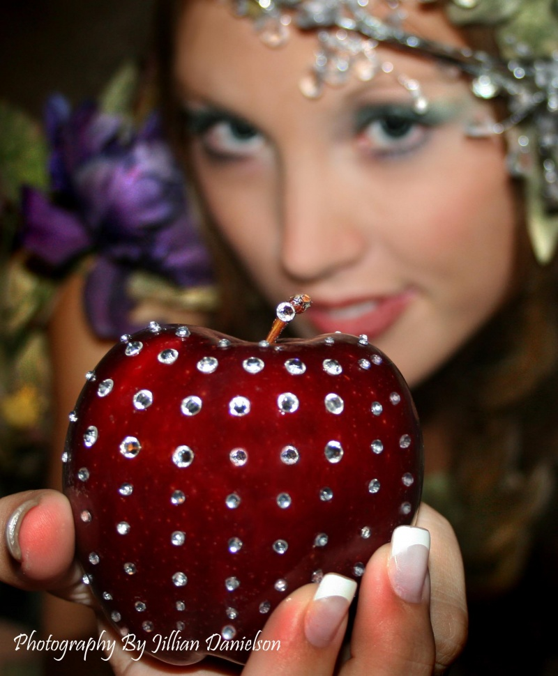 Jul 23, 2008 Jillian Danielson *Tempt* model Amber Ellis: Rhinestones placed by hand onto apple. They are not photoshopped on.