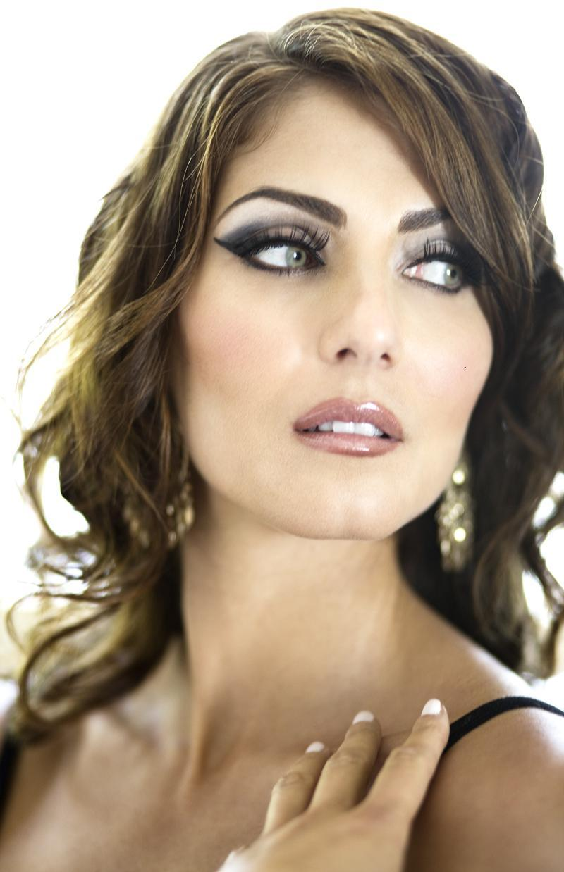 Jul 23, 2008 Marisa Petroro as Sophia Loren