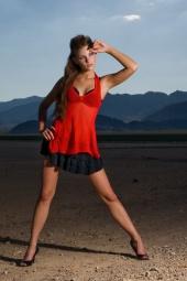 http://photos.modelmayhem.com/photos/080727/19/488d09114e13b_m.jpg