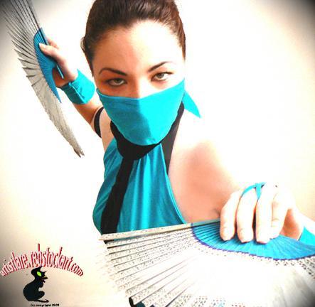 My costume port here: http://www.modelmayhem.com/1253384 Jul 30, 2008 www.Lm.rebstockart.com Kitana/Mortal Kombat costume - Lana Marie