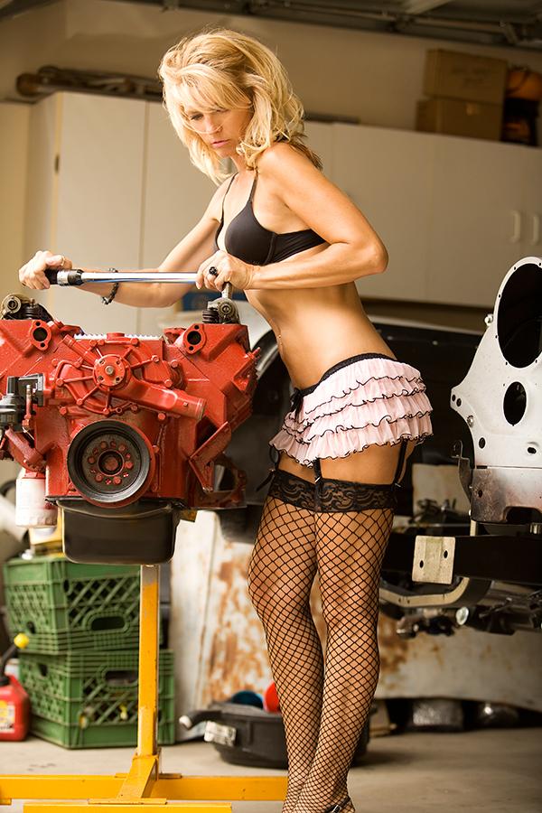 garage Jul 30, 2008 2008 fotosbykevin Working class woman